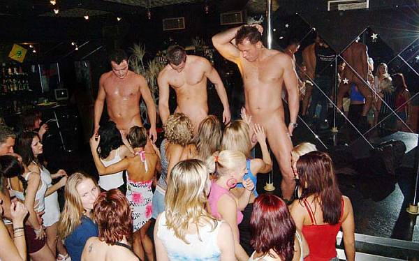 Live strip shows for free can